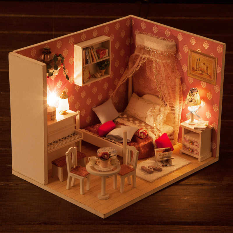 iiE CREATE Dollhouse Q008 Queen's Dream Miniatrue DIY Kit With Lights And Dust Cover