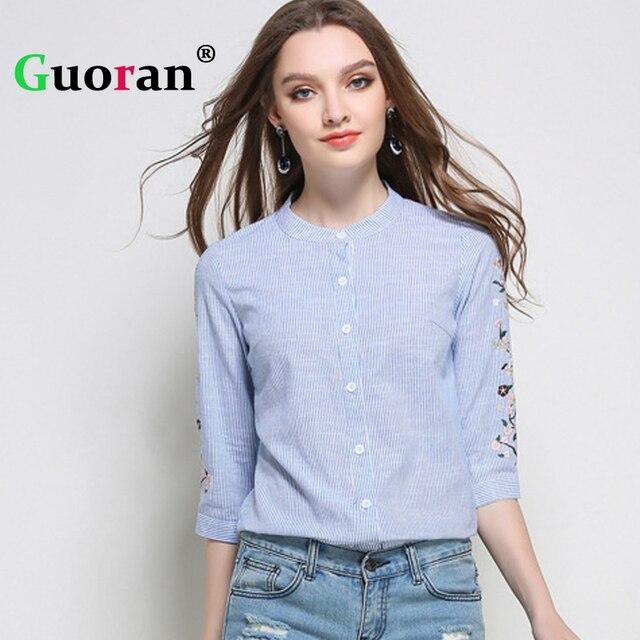 0651ac543 {Guoran} bordado Camisas Azules Para Mujer Verano 2017 Floral Impreso  Cuello Alto Blusas tallas