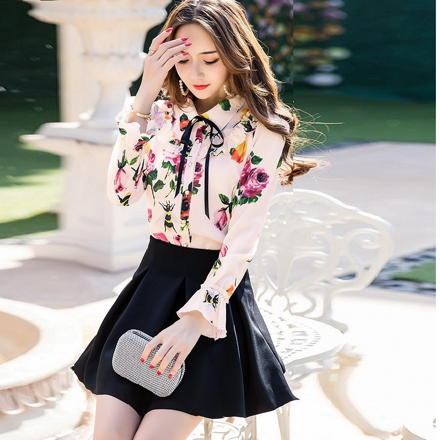 95665bdf439 2017New Arrival Women Floral Printed chiffon shirt peter pan collar flare  sleeves casual blouse tops plus size camisa XXXXL11275-in Blouses   Shirts  from ...