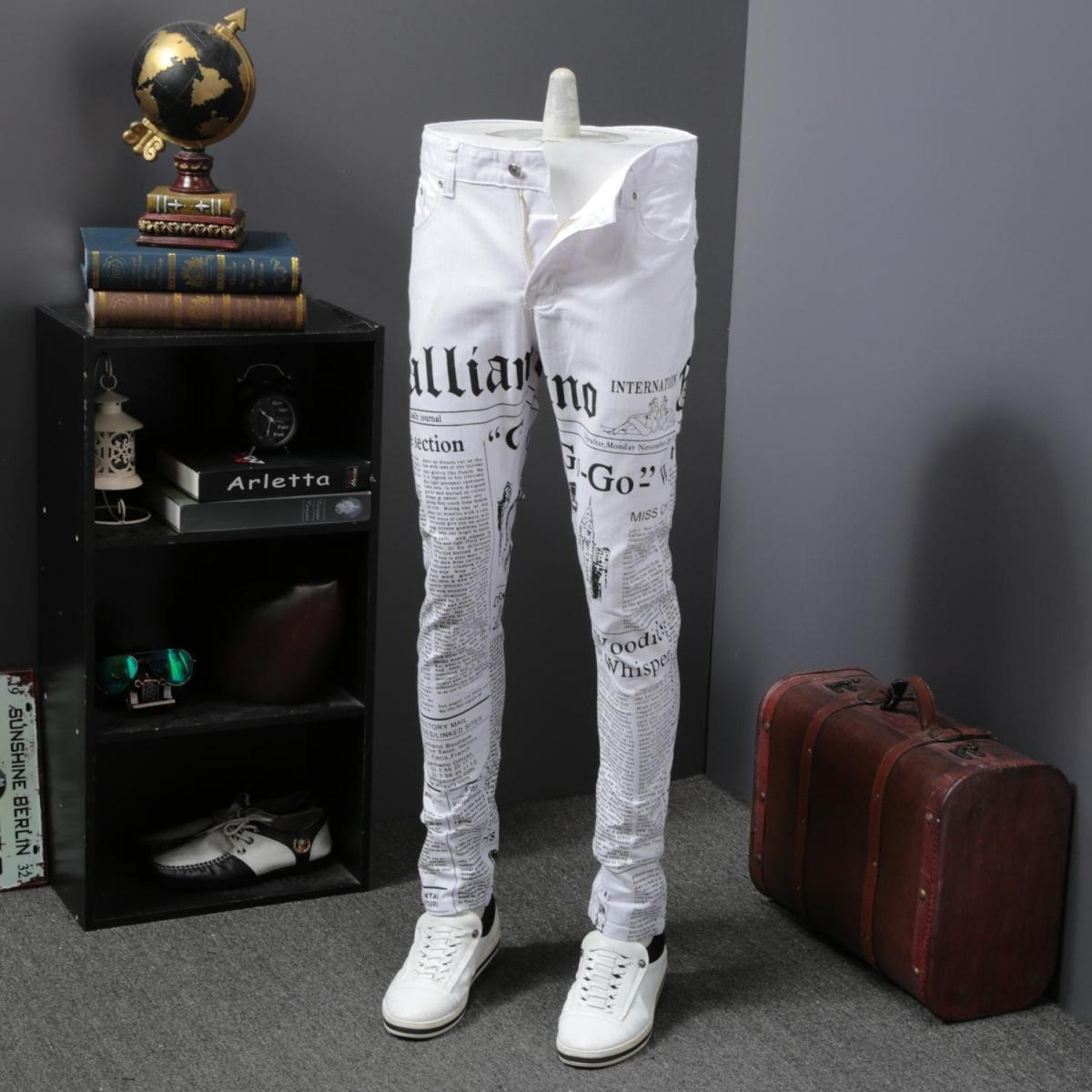 Fashion 2019 Korean Jeans Men Newspaper Print Jeans For Men Slim Fit Casual Denim Pants Men Streetwear Trousers Men Clothes