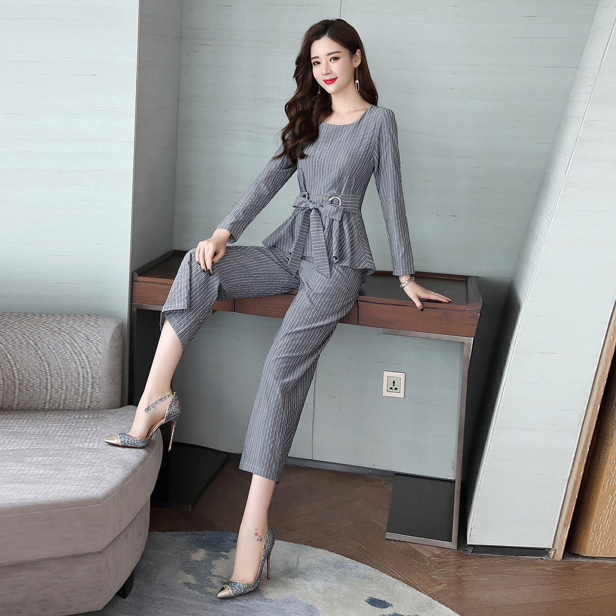 Casuale Vestiti Due In Set Nove Increspato Eleganti Del Strisce Donna A  Piedino Pantaloni Autunno Temperamento ... 17472ae4e92