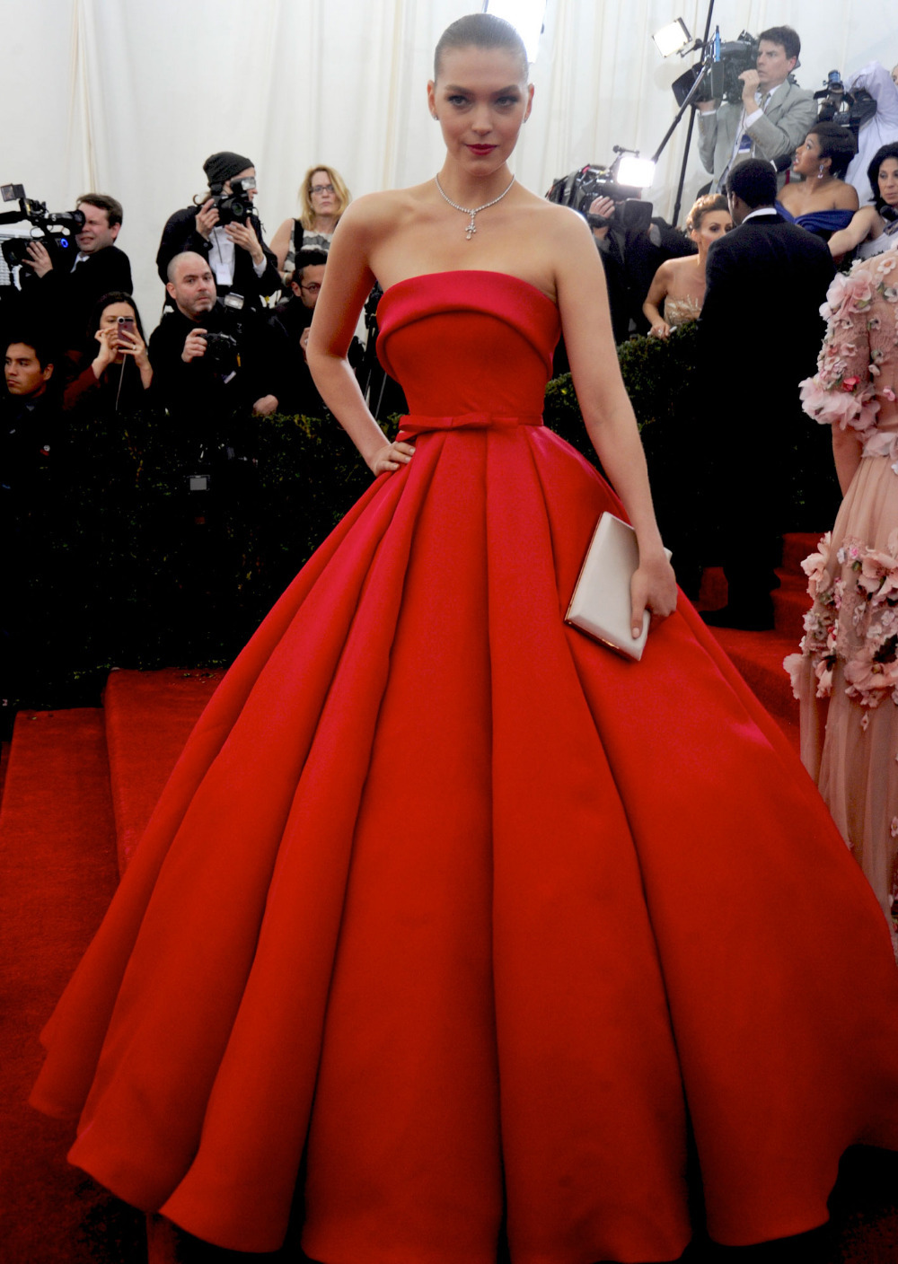 Red Ball Gown Strapless Backless Evening Gowns Elegant Chapel Train ...