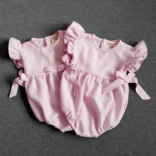2016 NOVO verão bonito arco voar manga meninas do bebê bodysuit roupas casuais listrado recém-nascidos terno do corpo para crianças party girl bodysuit