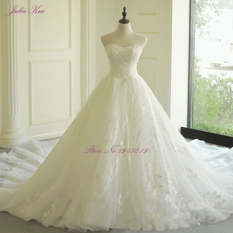 Julia Kui Off The Shoulder Embroidery Ball Gown Wedding Dresses Beaded Appliques Lace Up Sweetheart Chapel Train Bridal Dress