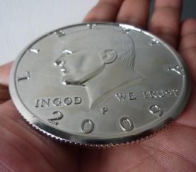 Freies Verschiffen 3 Zoll Jumbo Magische Münze Half Dollar Top