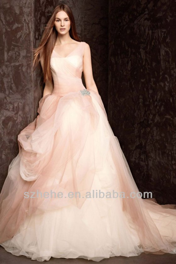 Free shipping CW1420 Gorgeous soft tulle ball gown champagne colored ...