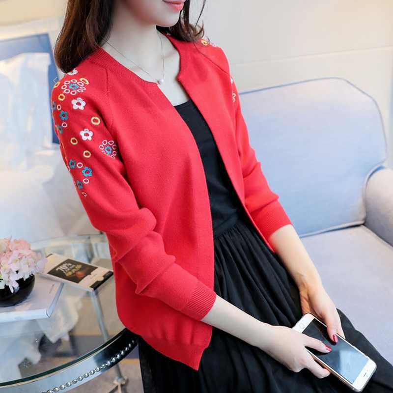 Вязать женский джемпер Новый 2019 Осенняя мода Короткие женщина с небольшой платок вышитые свитер; кардиган; пальто