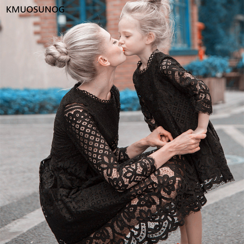 Neue Mutter Tochter Kleider Hochzeit Herbst Mama und Mich Kleidung Mama und Tochter Spitze Prinzessin Kleid Familie Hochzeit Dresss C0248