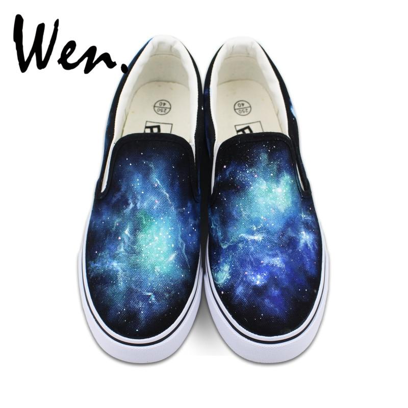 Prix pour Wen D'origine Bleu Galaxy Nébulaire Espace Custom Design Peint À La Main Chaussures Slip Sur Noir Toile Sneakers pour Homme Femme