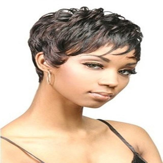 Morenita de pelo corto 5
