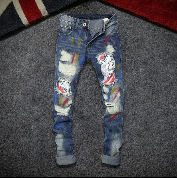 28-36!!! 2017 Men jeans male tide hole foot patch straight denim trousers Bigger sizes printed flag buff pants envmenst 2017 male floral bottom blue hole ankle length jeans men s jeans casual zipper straight denim trousers size 28 40