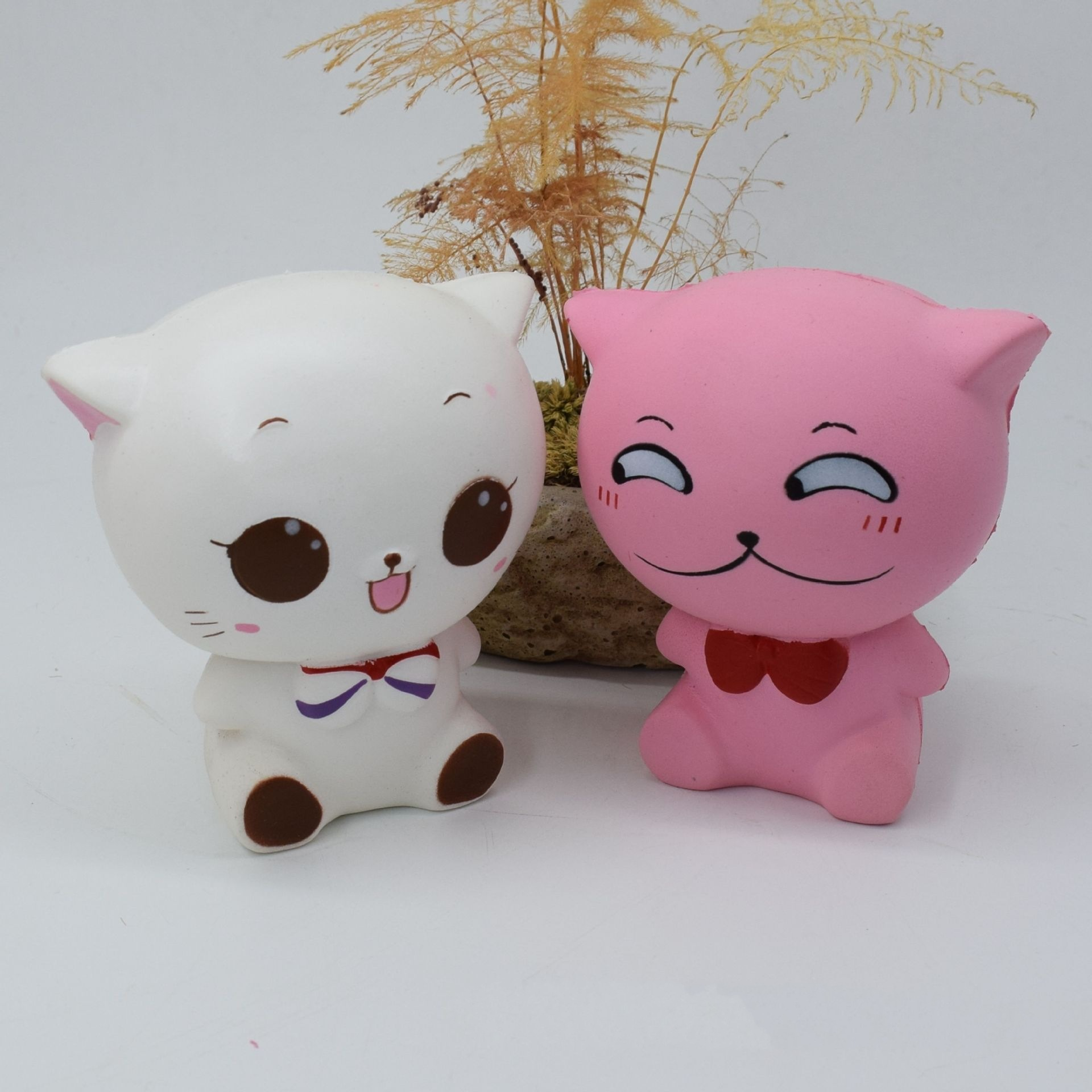 Squishy PU Action Figure Toys Stress Reliever Cute Expression Small Cat Doll Simulation Slow Rebound Cat Model Pu Model Spot