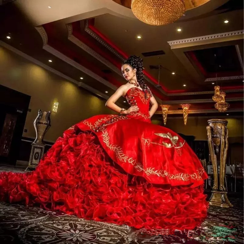 2019 Sexy Sweetheart Red Embroidery Ball Gown Quinceanera Dresses Satin Lace Up Floor Length Vestido De