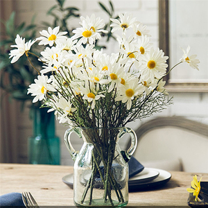 Image 1 - 5หัว/ประดิษฐ์Dasiyดอกไม้ผ้าไหมปลอมดอกไม้ตกแต่งStamen Daisyขนาดเล็กสำหรับงานแต่งงานดอกไม้ตกแต่งบ้าน