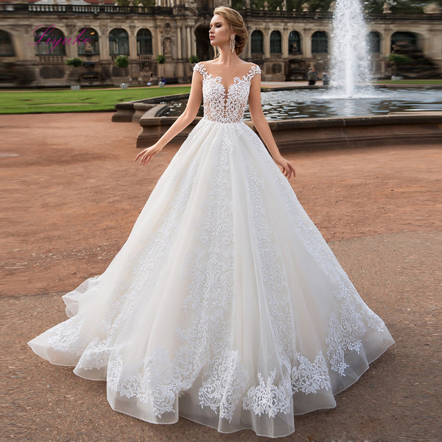 Liyuke תחרה אונליין חתונה שמלות אפליקציות סקופ צוואר שרוולים גב פתוח סקסי אשליה טול קפלת רכבת Vestido דה novia