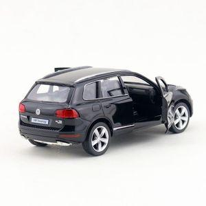 Image 2 - משלוח חינם/RMZ עיר צעצוע/Diecast דגם/1:36 סולם/פולקסווגן טוארג ספורט SUV/למשוך בחזרה רכב/חינוכיים אוסף/מתנה/ילד