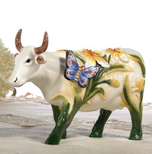 butterfly Ceramic creative cow Bull home decor crafts room decoration handicraft Cattle porcelain wedding figurine