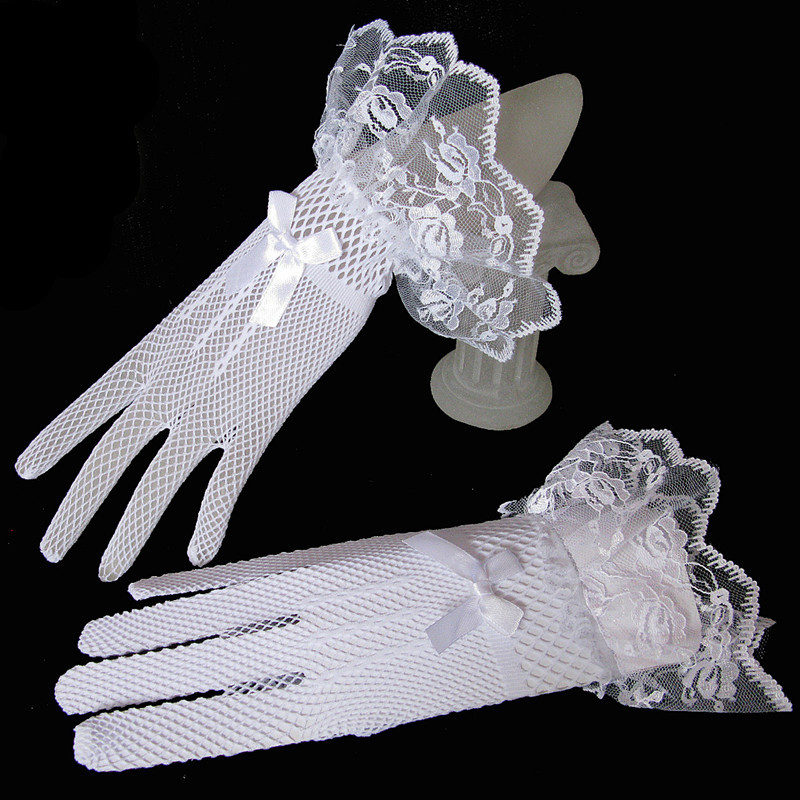 Купить с кэшбэком JaneVini Black Bridal Gloves Lace Finger Short Cheap Wedding Accessories White Wrist Length Wedding Gloves 2018 Kant Handschoen