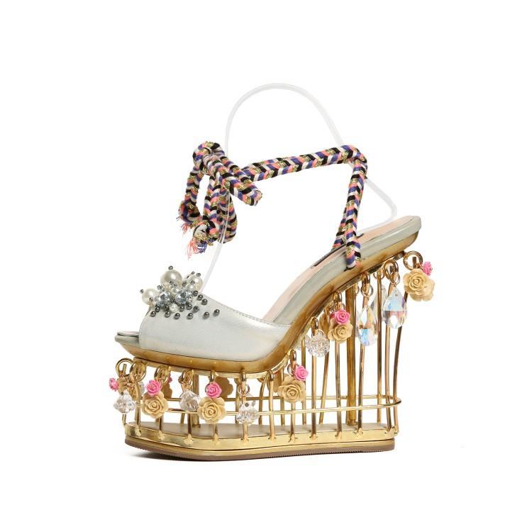 Лето Лидер продаж кристально украшения цветок женщина клин Босоножки на платформе пикантные туфли с открытым носком каблуке с ремешками на