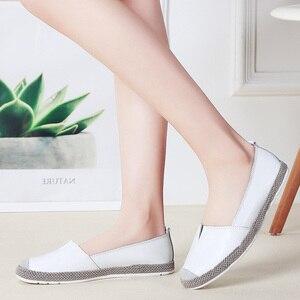 Image 4 - STQ 2020 סתיו נשים דירות עור אמיתי נעליים להחליק על מוקסינים נעלי נשים בלרינה בלט דירות סבתא ופרס 952