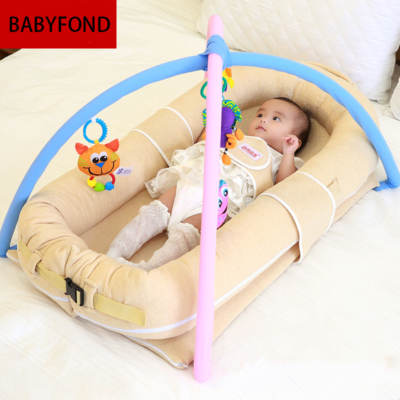 High quality newborn baby bed travel portable baby bed with toys