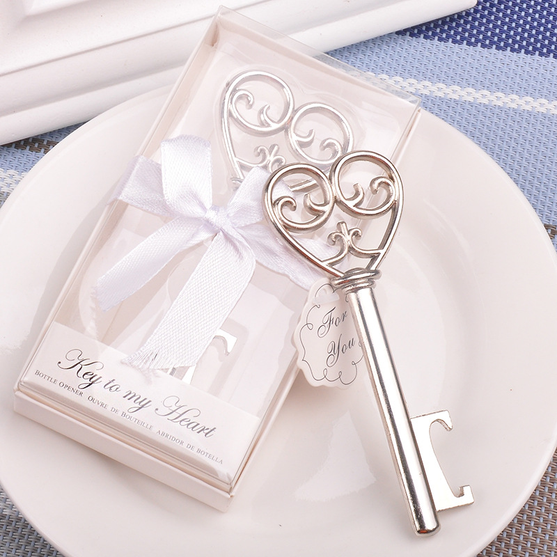 20pcs/lot Party Favors Souvenir Wedding Gifts Personalized Beer Opener Heart Shape Opener Guest Presents For Guests Giveaway