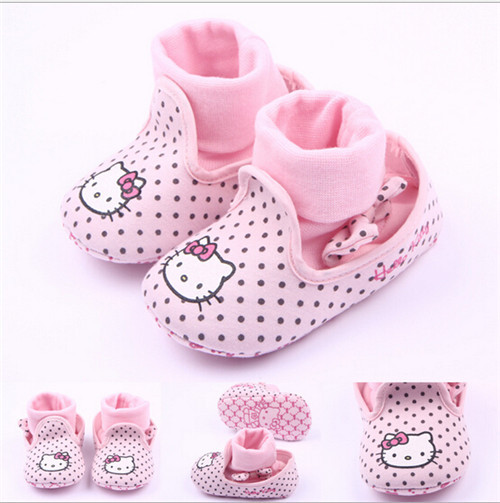 2015 Hot Sale Cartoon Hello Kitty Baby Shoes First Walkers Lovely Dots Newborn Shoes Boots