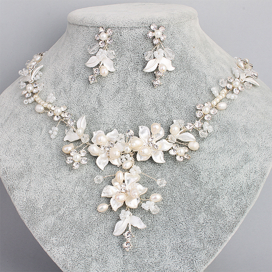 Delicate Bridal Necklace Earrings Set Sparkling Rhinestone Flower Pearl Handmade Wedding Jewelry Set Ornament Parting Gifts a suit of chic fake pearl rhinestone hollow out flower necklace and earrings for women