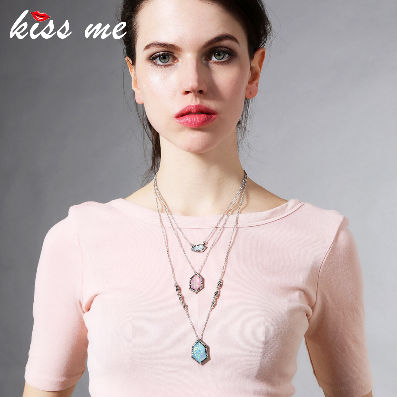 KISS ME Brand Multi Layer Necklace Resin Rhinestone Geometris