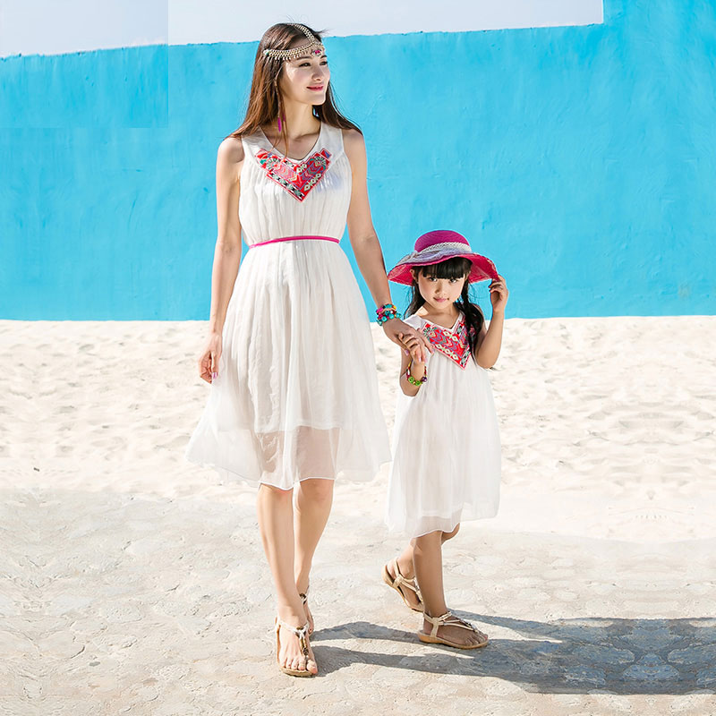 Nice Family Matching Dresses For Mom And Daughter Bohemia Style V-neck Dresses Beachwear 1268