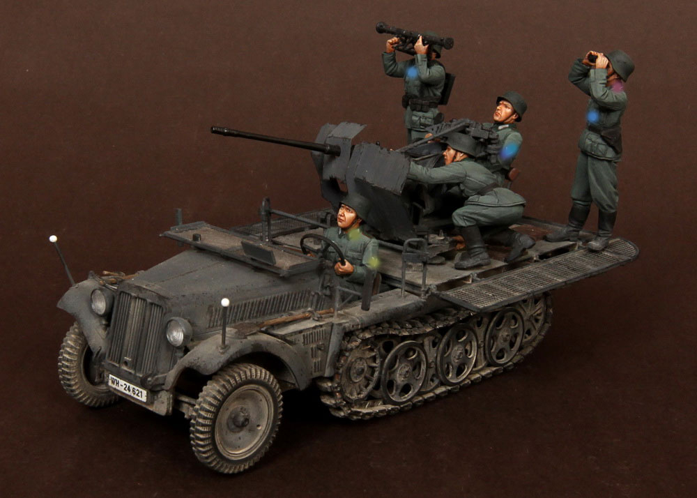 Scale Models 1/35   5 Soldiers Crew Sd.Kfz.104 Fur 2cm FlaK 30 Not Have Tank  Resin Model