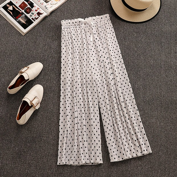 2019 New Summer Women's Simple Short Sleeve T-shirt + Chiffon Pleated Wide-leg Trousers Two-piece Students Leisure Pants Suit 10