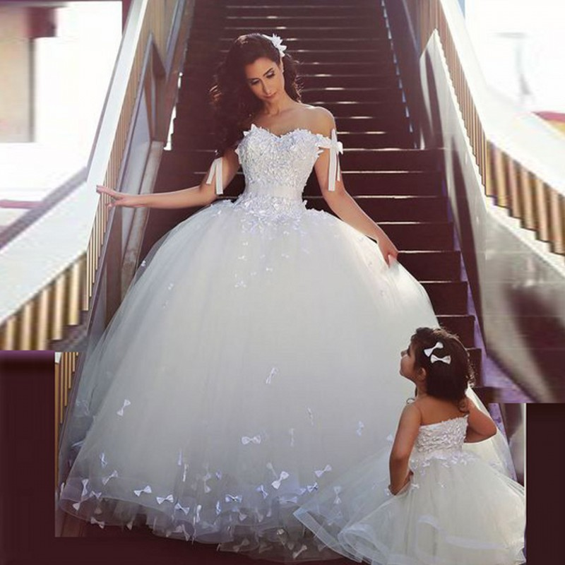 The Knot Wedding Gowns: Designer Mother Daughter Bridal Dress With Handmade Knot