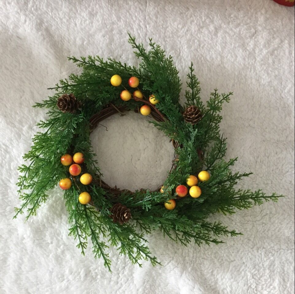 1pc American Country 25cm Pine and Cypress Branches Natural Christmas Door Wreath Garland Candles Home Decoration Free Shipping in Artificial Dried Flowers from Home Garden