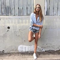 WZYCHDS Vintage ripped hole fringe denim thong shorts women sexy pocket one teaspoon jeans shorts summer girl hot denim booty
