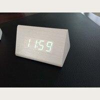 Simple Vert En Bois LED lumière D'alarme Horloges Bureau Numérique Horloge Avec Température Temps Fonction 4 Couleurs Smart Table Horloge