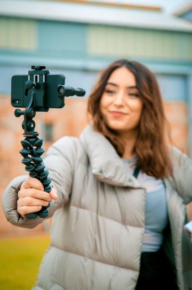 Image 4 - Professional RODE Videomic ME L Microphone for lightning connector jack for iPhone X 7plus 7 8 Smartphone microphone-in Microphones from Consumer Electronics