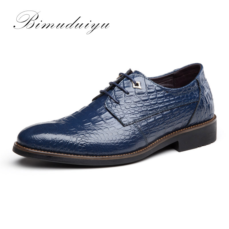 BIMUDUIYU Retro Crocodile Pattern Leather Men's Formal Wear Shoes For Suits New England Dress Business Wedding Male Flat Shoes retro butterfly pattern skater dress