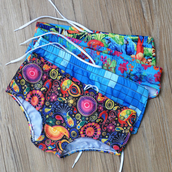 Low rise Men's printed briefs.