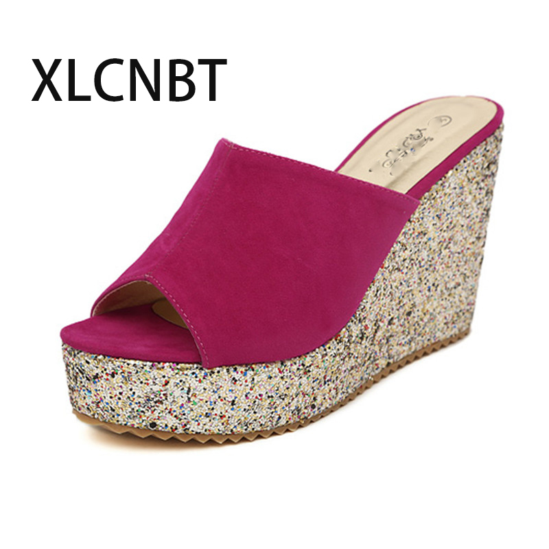 купить Sequins high-heeled slipper wedge suede female half slides fashion sandals pep toe supper high heel summer outside shoes по цене 1327.99 рублей
