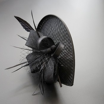 Chic Feather Fascinator 2