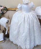 2018 белого цвета и цвета слоновой кости для маленьких девочек Длинные платье на крестины бисера Кружева крестильное платье с чепчиком