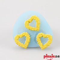 3 hole Love Wreath Fondant Cake Molds Soap Chocolate Mould For The Kitchen Baking Decoration Tool F1067