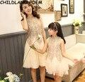 Vestidos mãe filha verão 2017 mãe e filha roupas rendas festa de família roupas combinando vestido de mãe e filha