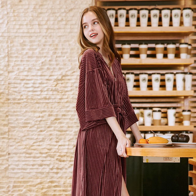 Autumn Winter Women Nightgown Soft Flannel Plush Long Sleep Thermal  Sleepwear Dress Women Nightie Home Clothes Vestido L452 60d8a0333