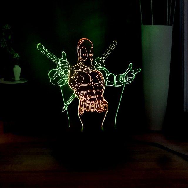 Série maravilha Deadpool Superhero 3D Visuais Lamparina Crianças Toy LED Quarto Lâmpada Sono Novidade Decoração Mista Dupla Multicolor Presente