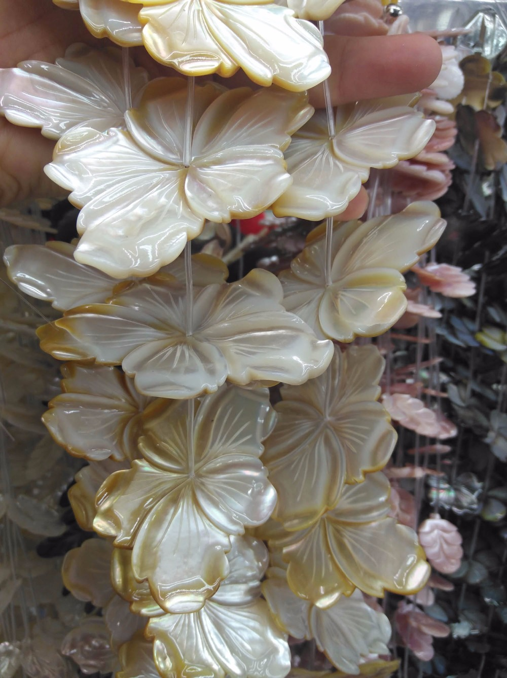 10pcs Large 40-60mm Natural White MOP Hand Carved Shell Flower petal Mother of Pearl beads pendant