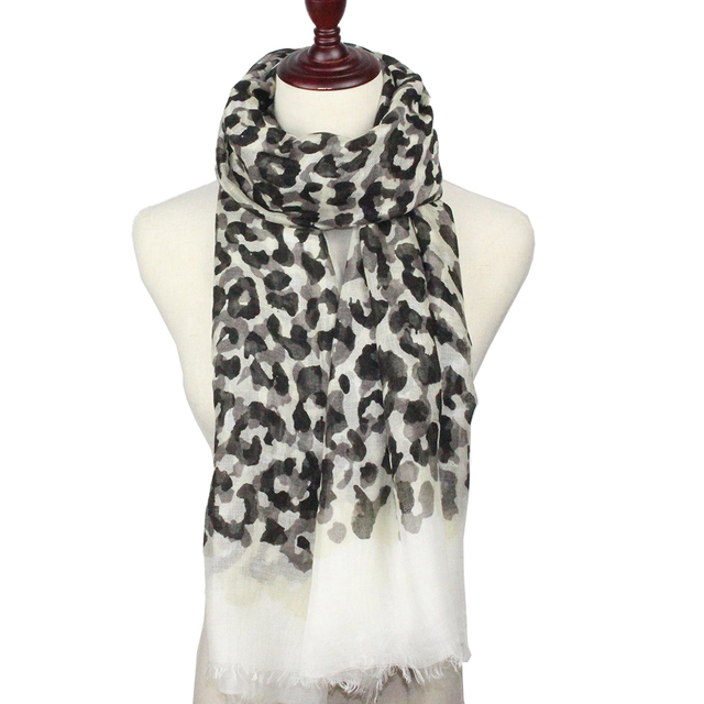 0638cc3515d1 Leopard Print Scarf Women Fashion Designer Brand Scarf Winter Shawls And  Scarves Sjaal Cachecol Echarpes Foulards Femme