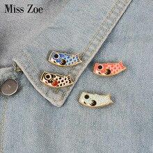 Broche en jean avec drapeau de calmar en émail, 4 couleurs, badge de dessin animé carpe, épingle à revers, sac de chemise en jean japonais, bijoux mignons, cadeau pour la journée du garçon