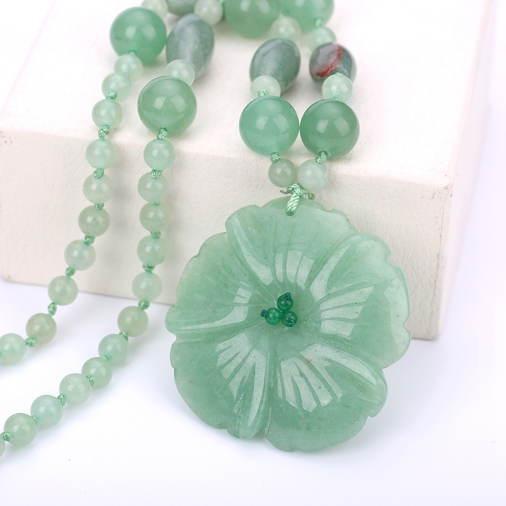 Natural Stone Necklaces Women's Jewelry Aventurine Jade Flowers Pendant Hand Carved Crystal Prom Exaggerated Boho Necklace Mix